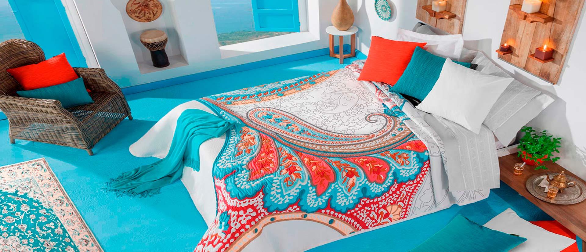 ropa de cama en tonos mediterraneos
